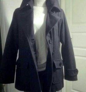 Пальто двубортное L