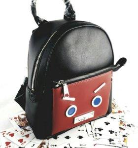 Стильный кожаный рюкзак Fendi