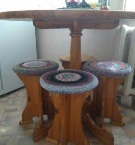 Кухонный стол,табуретки