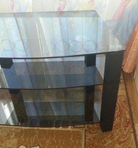 Стеклянная стойка для телевизора.