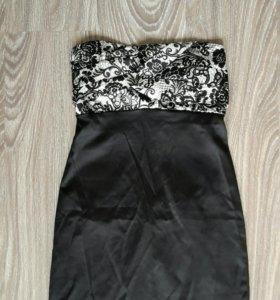 Платье черно-белое р. 42 (S) (новое)