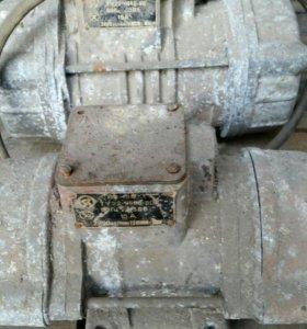 ЭлектроДвигатель с эксцентриком