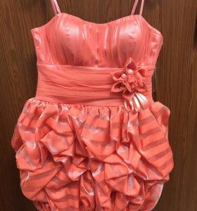 Платье 46 размер (новое)