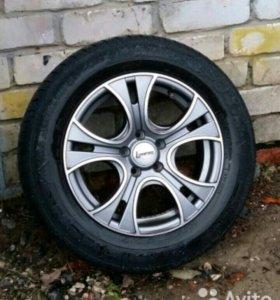 Продам комплект литых дисков для VW радиус 15