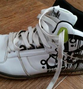 Ботинки (кроссовки) мужские