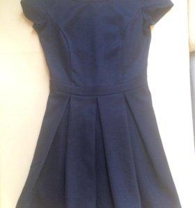 Темное-синие платье