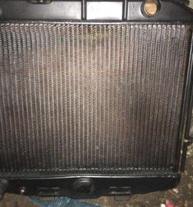 Новый медный радиатор от УАЗ