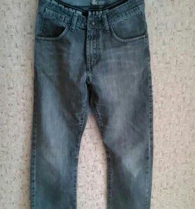 Стильные джинсы H&M-152см