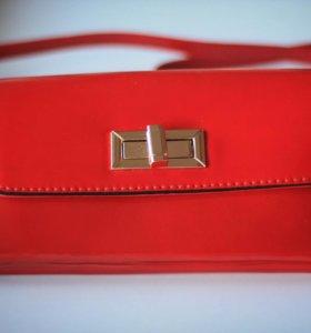 Лакированный красный клатч. Новый