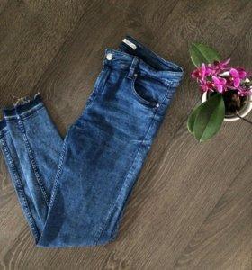 Узкие джинсы Bershka
