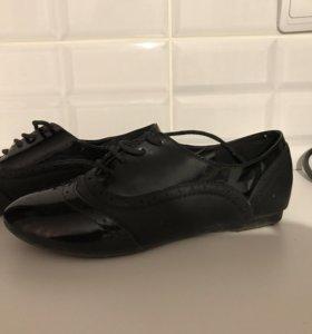 лаковые туфли кроссовки лоферы