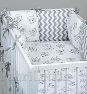 Бортики в детскую кроватку.
