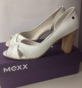 Босоножки туфли  кожаные Mexx p.39-40