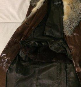 Дубленка из натуральной кожи с мехом волка