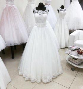 Новое свадебное платье с кружевом