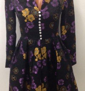Дизайнерское платье 42-44 размер