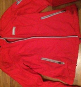 Куртка спортивная на флисе непродувайка.