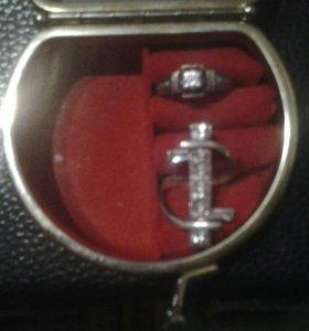 Кольцо с камнем серебро 925пр цирконий 17,17,5