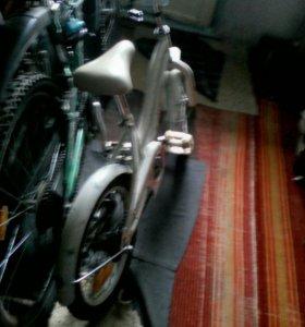 Продам велосипед (белый)