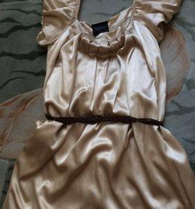 Платье золотого цвета