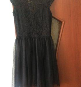 Кружевное чёрное платье