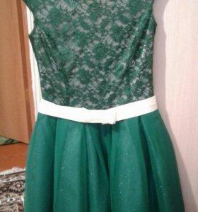 Платье на выпускной. Очень красиво смотрится