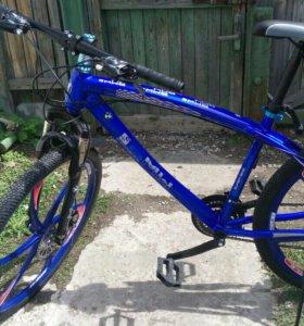 Велосипед на литых колесах. Новый