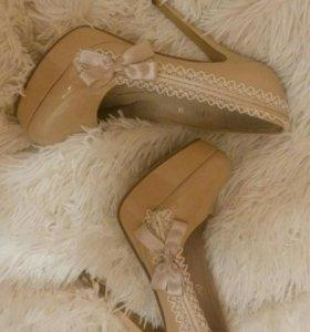 Туфли из натуральной кожи.