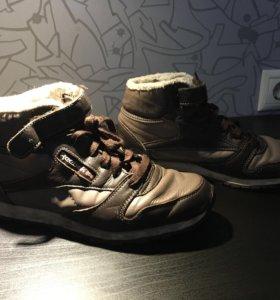 Зимние-осенние ботинки Reebok