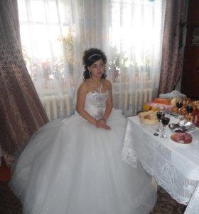 Красивое свадебное платье!!!