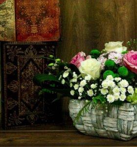 Композиции из живых ,свежих цветов !
