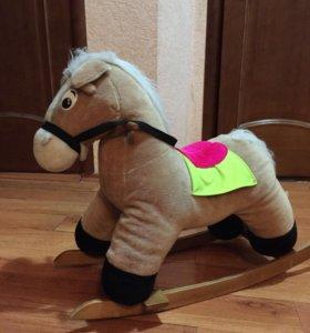 Конь-качалка мишка в подарок