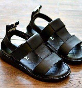 Новые сандали р-30,31