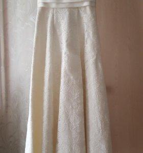 Продаю легкое свадебное платье