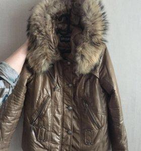 Демисезонная куртка с красивым мехом