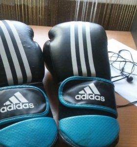 Перчатки боксерские. Adidas оригинал