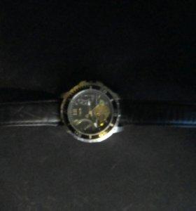 Часы TIMEX , сломана шпилька