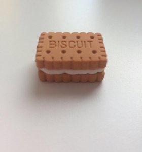 Разборный ластик в виде печенья