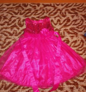 Платье на девочку на 3—4 года