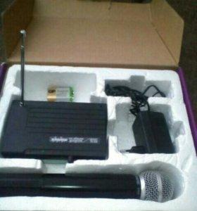 Радиомикрофон SHURE SH 200