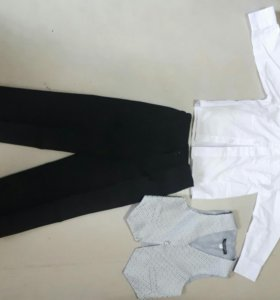 Костюм( брюки,рубашка,жилетка)