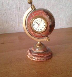 Настольные часы глобус, оникс