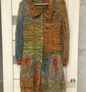 Вязанное итальянское пальто