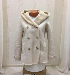 Куртка- дублёнка Stradivarius