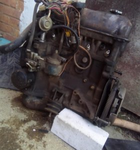 Двигатель БУ ВАЗ 2107 троечный.