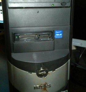 Компьютерный корпус с небольшим содержимым