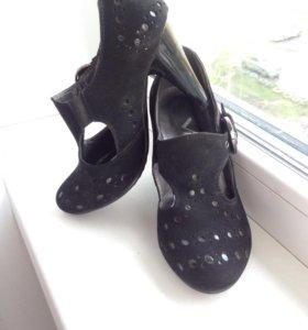Женские туфельки 33 размера