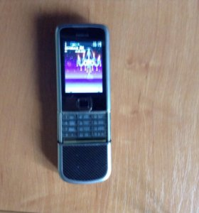 Телефон Нокиа 8800е