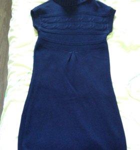 Вязанное платье без рукавов