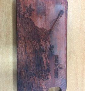 Чехол на iPhone 6 plus с деревянной вставкой